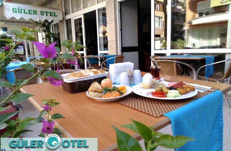 30 Çeşit Açık Büfe ile Güler Otel Kahvaltı KAÇMAZ